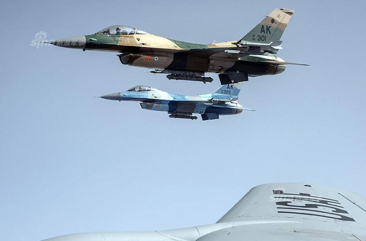 My dinh lam gi khi son F/A-18 giong het Su-34 Nga?-Hinh-5