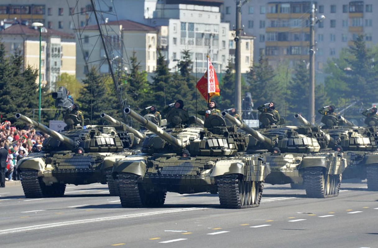 Huc cot dien, xe tang T-72 nhan cai ket dau dieng-Hinh-7