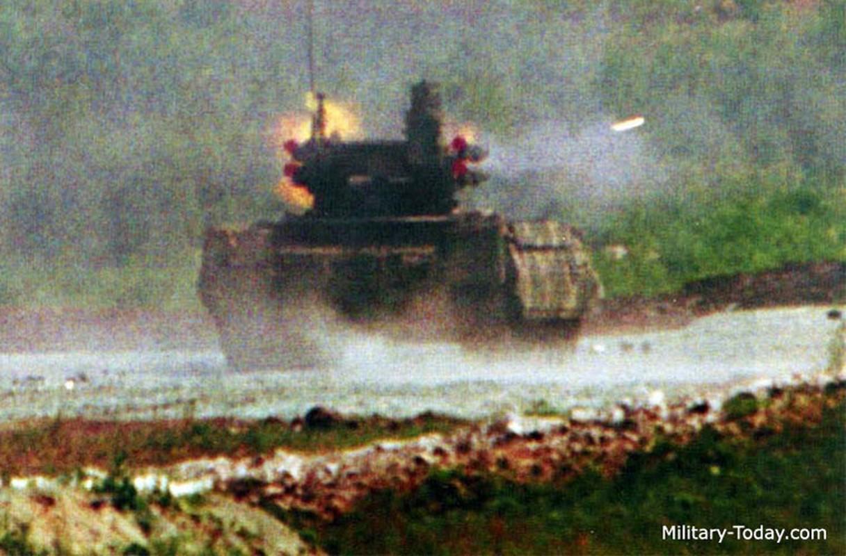 """""""Ke huy diet"""" BMPT-72 da toi Syria, phien quan hoang loan-Hinh-4"""