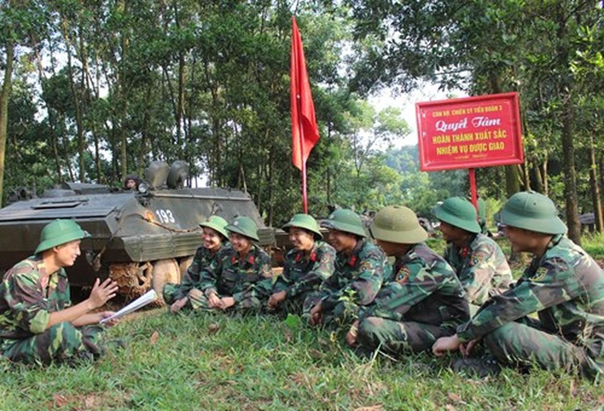 Soi loat xe tang Trung Quoc ma QDND Viet Nam so huu-Hinh-11