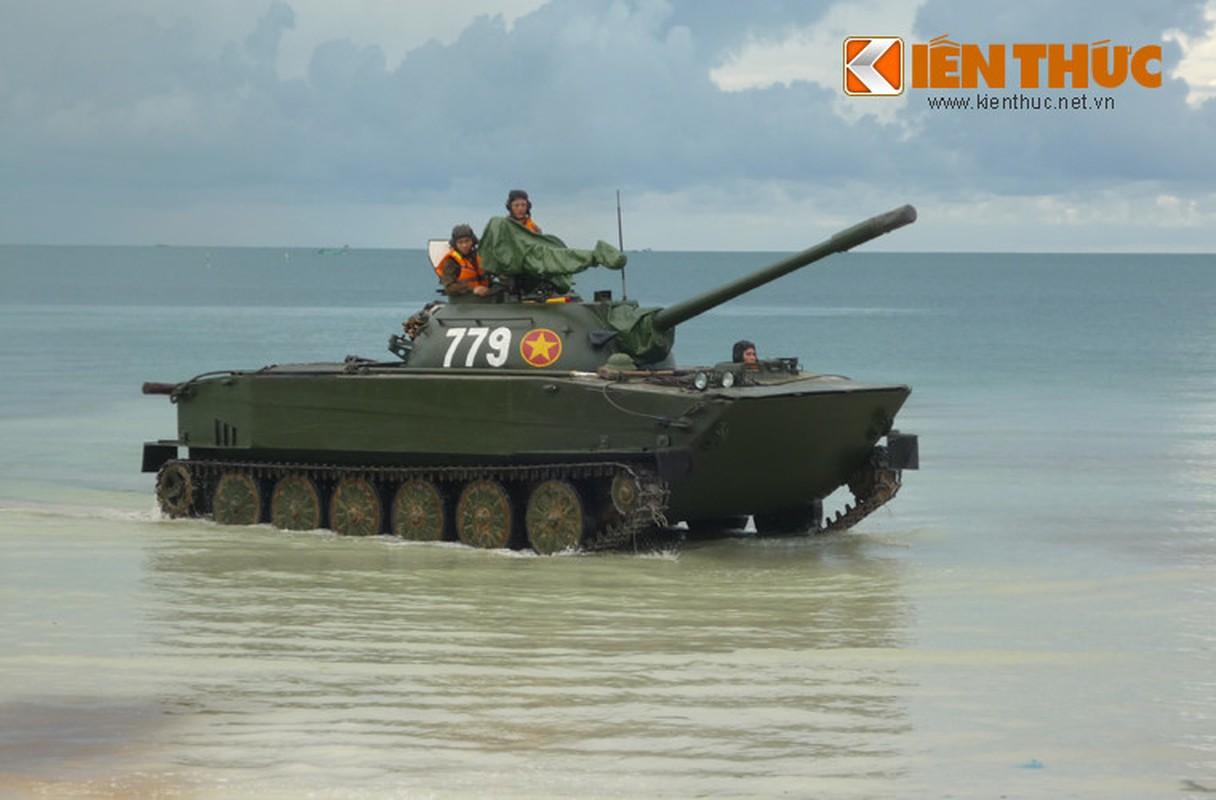 Soi loat xe tang Trung Quoc ma QDND Viet Nam so huu-Hinh-6