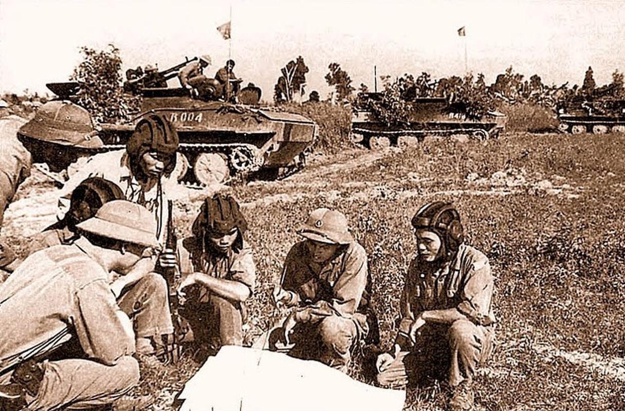 Soi loat xe tang Trung Quoc ma QDND Viet Nam so huu-Hinh-9