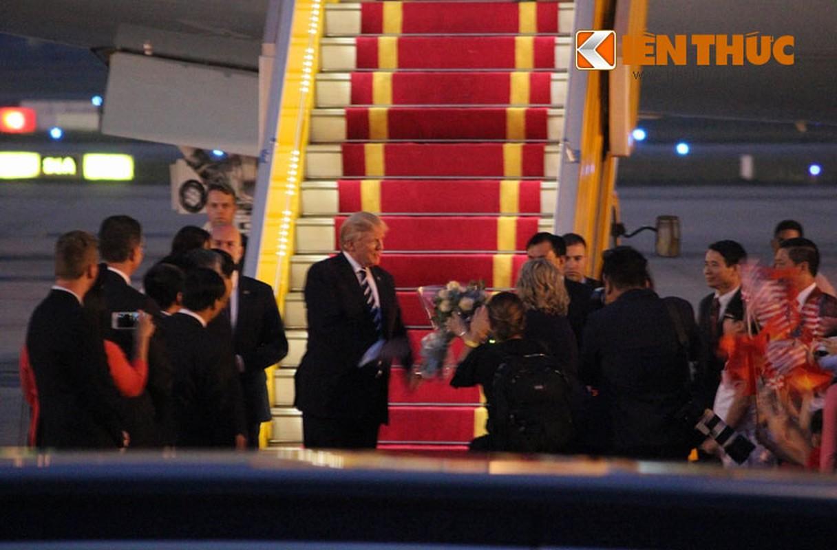 Toan canh Le don Tong thong Donald Trump tai san bay Noi Bai-Hinh-13