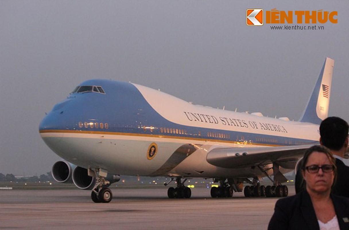 Toan canh Le don Tong thong Donald Trump tai san bay Noi Bai-Hinh-8