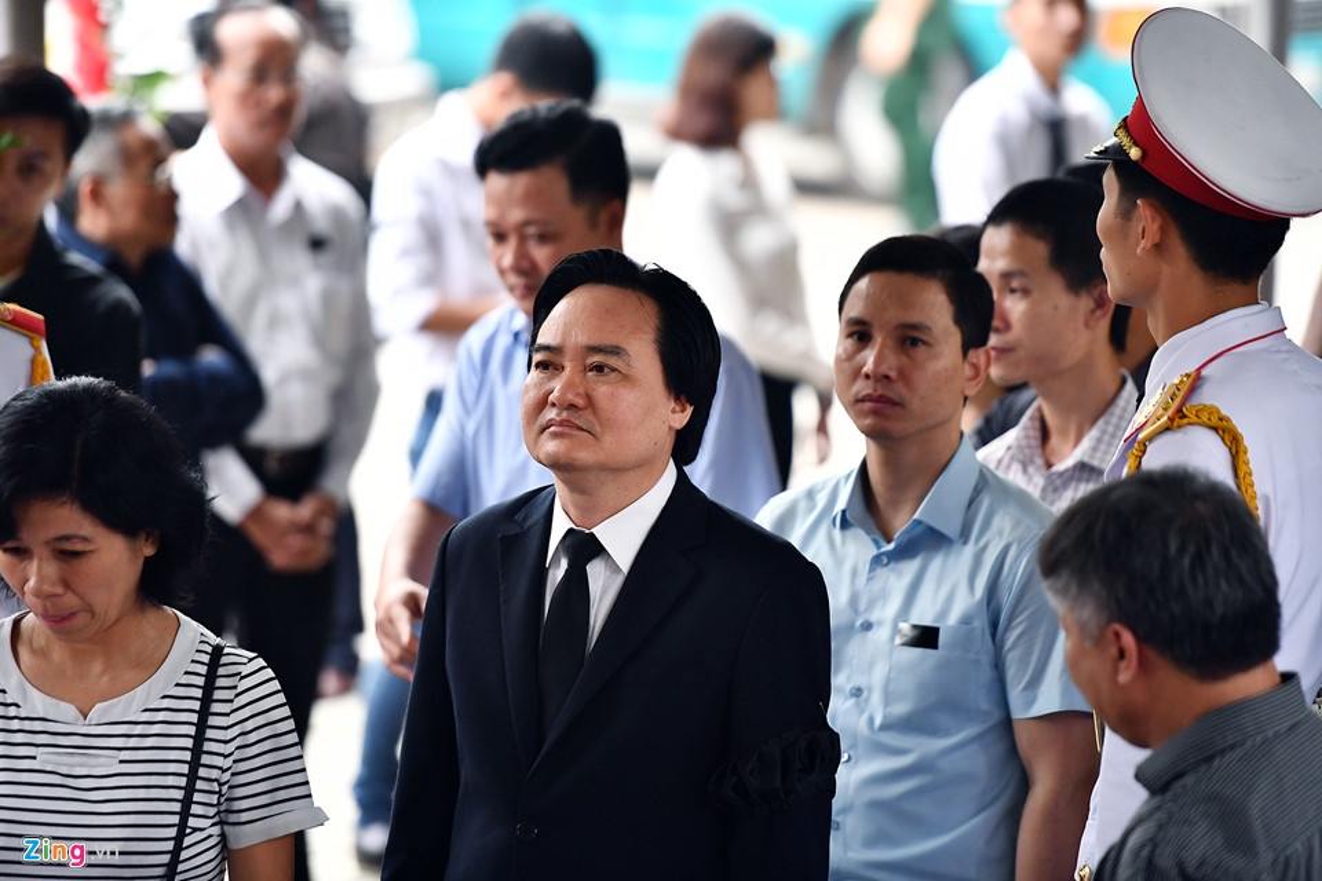 Lanh dao Dang, Nha nuoc va ban be tien biet giao su Phan Huy Le-Hinh-13
