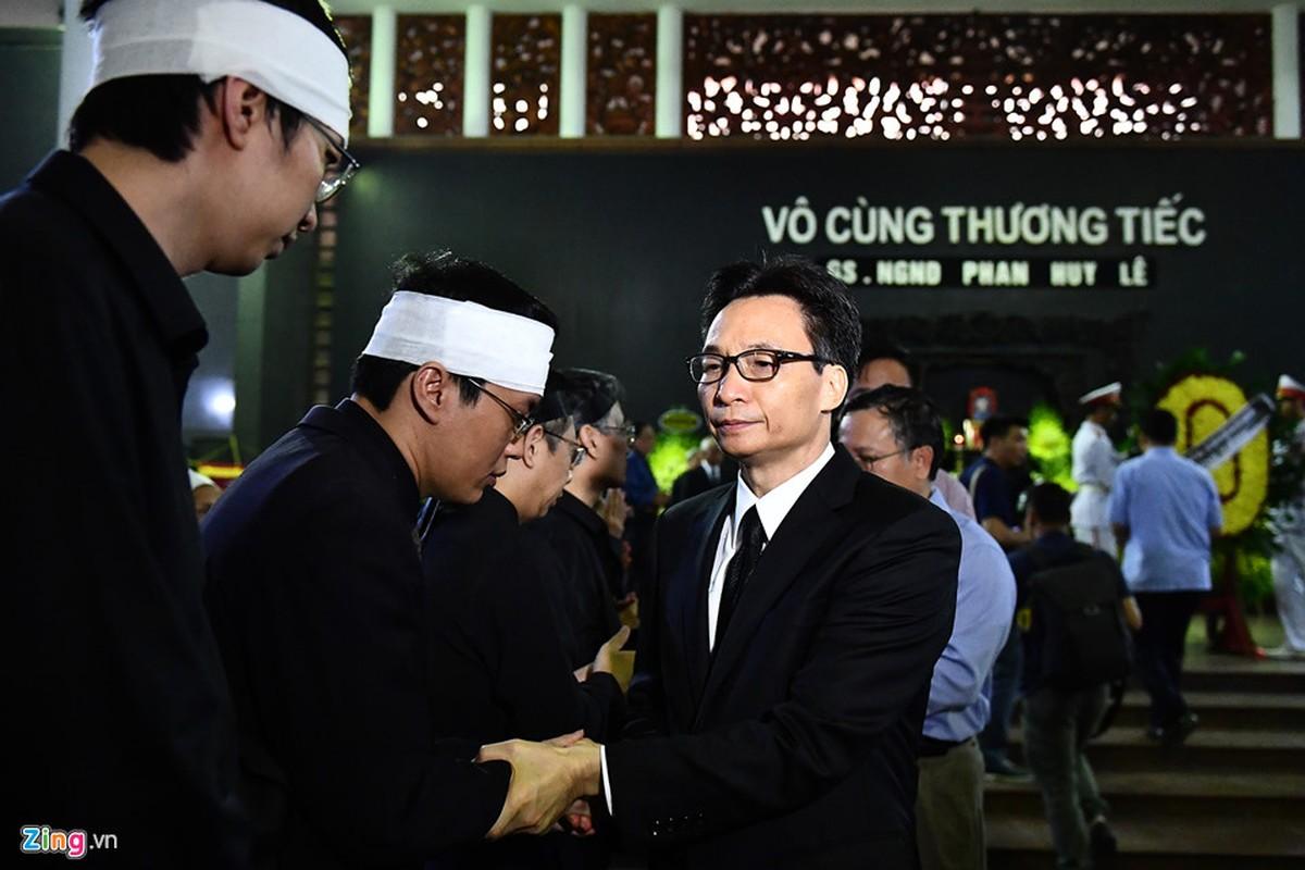 Lanh dao Dang, Nha nuoc va ban be tien biet giao su Phan Huy Le-Hinh-8