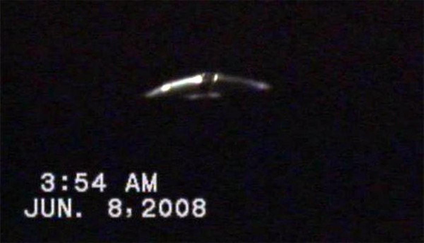 Bi an UFO lot bay radar, khoa hoc dau dau ly giai