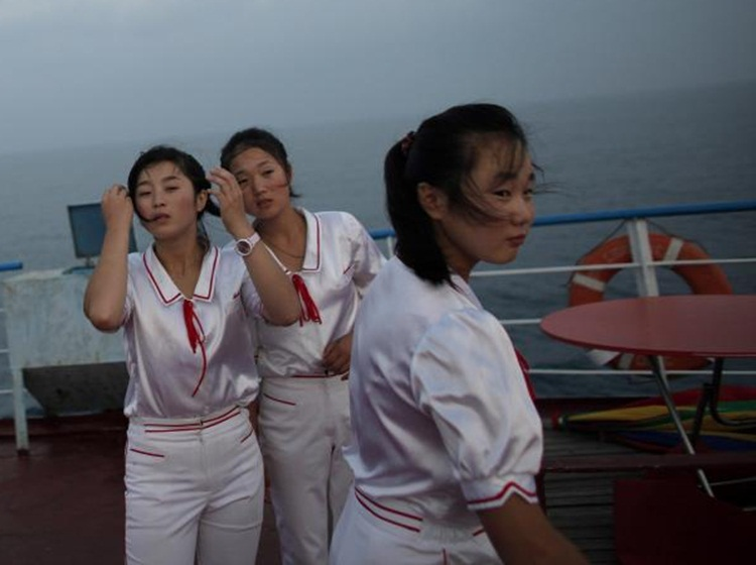 Ve dep cua phu nu Trieu Tien trong lao dong-Hinh-2