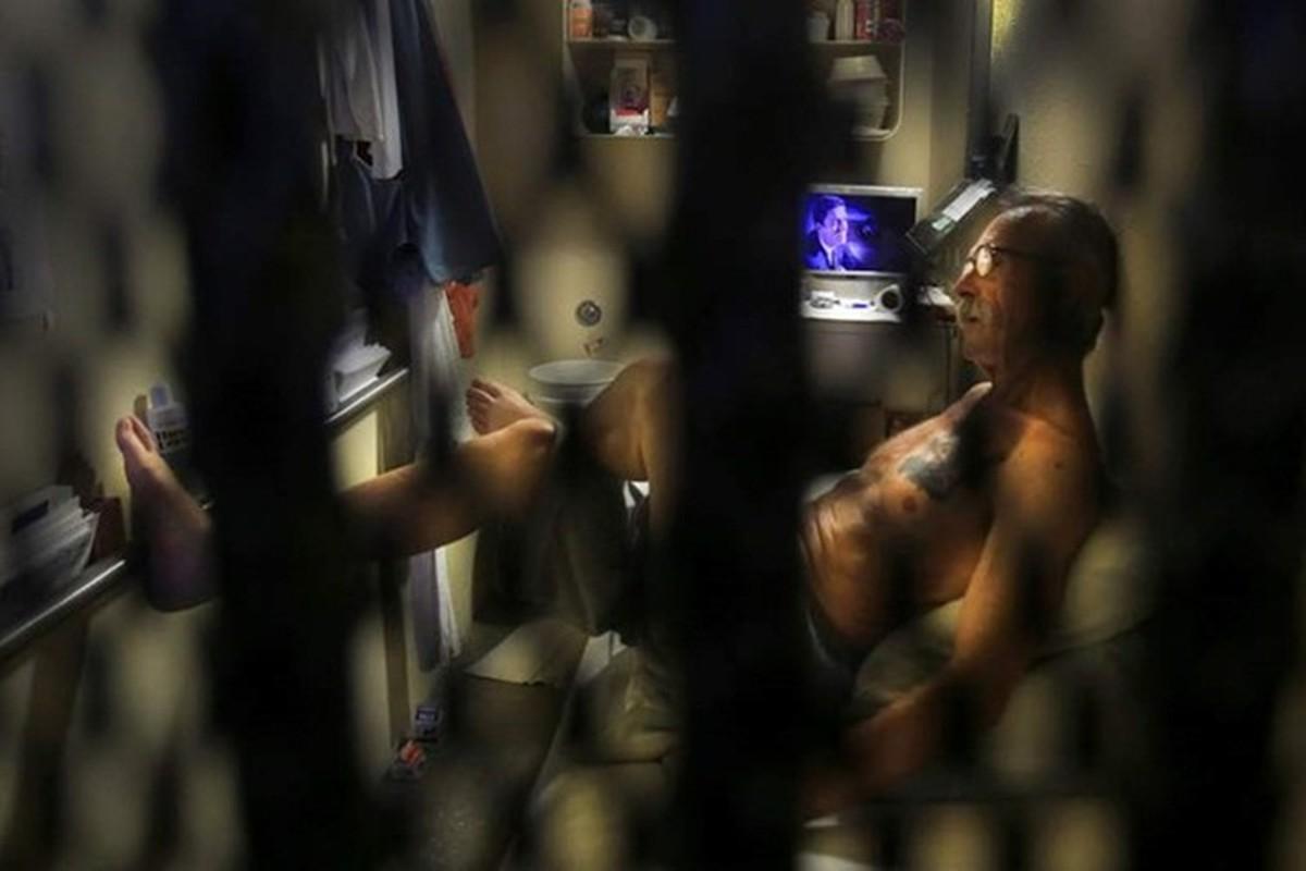 Khu nhot tu tu trong trai giam khet tieng o My-Hinh-2
