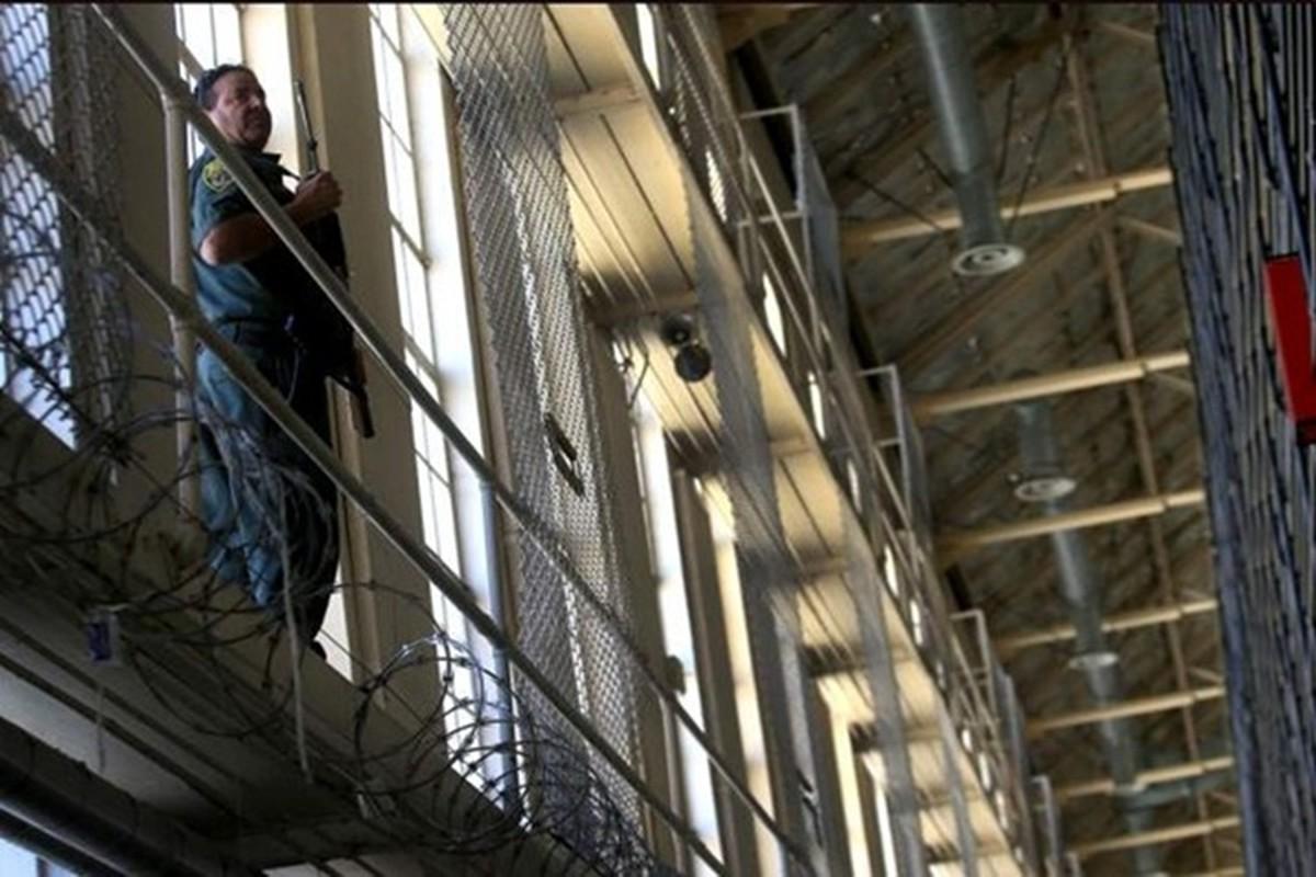 Khu nhot tu tu trong trai giam khet tieng o My-Hinh-7