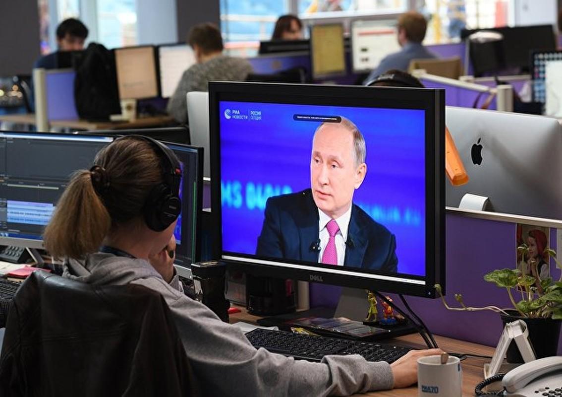 """Chum anh """"Giao luu truc tiep"""" voi Tong thong Nga Vladimir Putin-Hinh-7"""