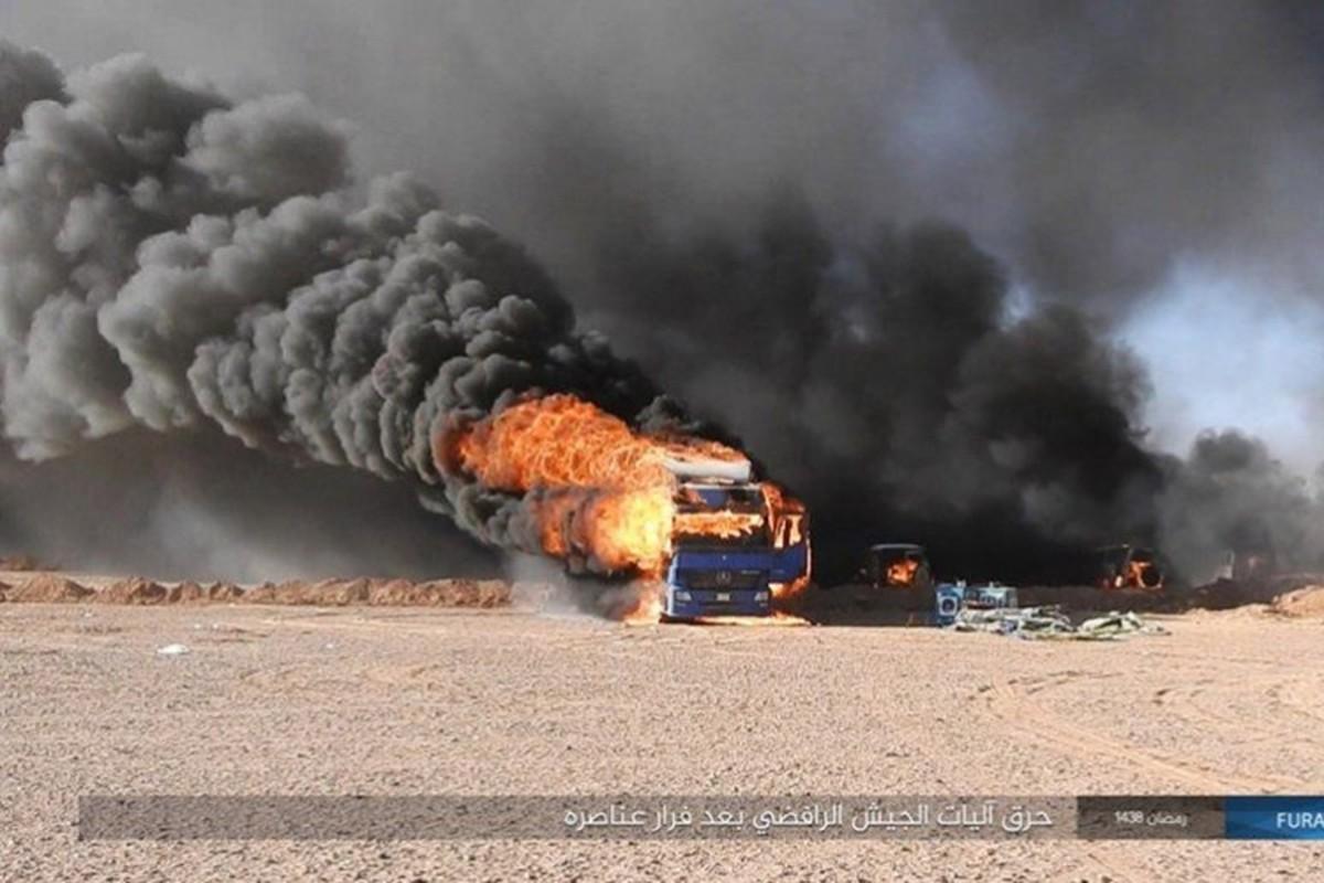 Phien quan IS dot kich can cu Iraq gan bien gioi Syria-Hinh-8