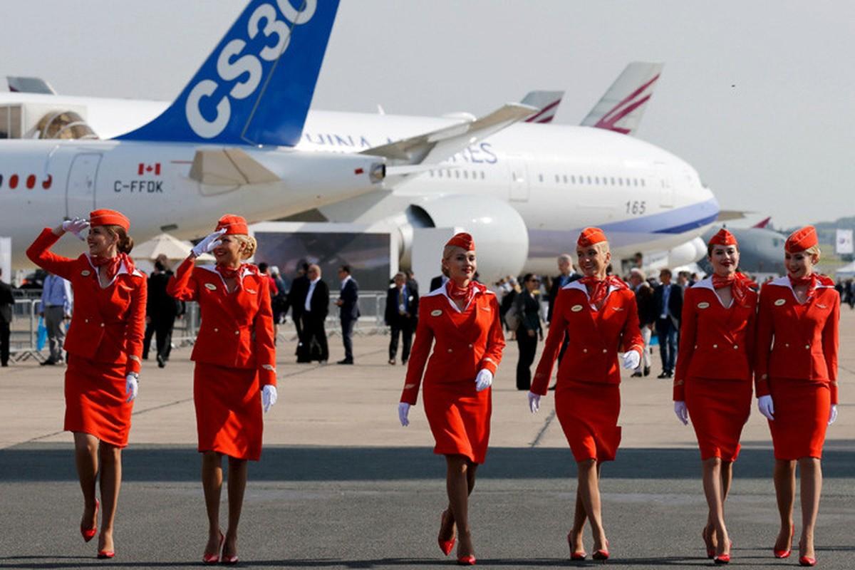 Anh: Cac nu tiep vien xinh dep Aeroflot-Hinh-11