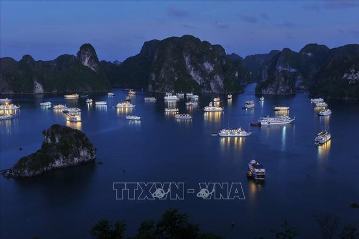 Chiem nguong Vinh Ha Long - noi don doan Lanh dao Trieu Tien-Hinh-7