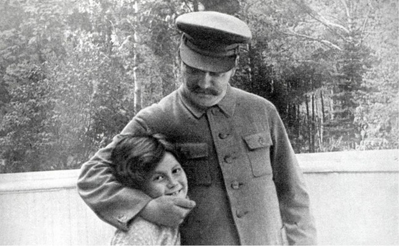 He lo anh hiem co ve con gai duy nhat cua Stalin-Hinh-9