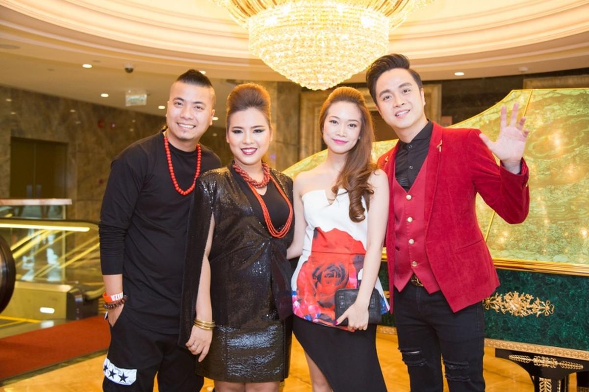 Em gai Huynh Phuc Dien sang My dao dien cuoc thi hoa hau-Hinh-6