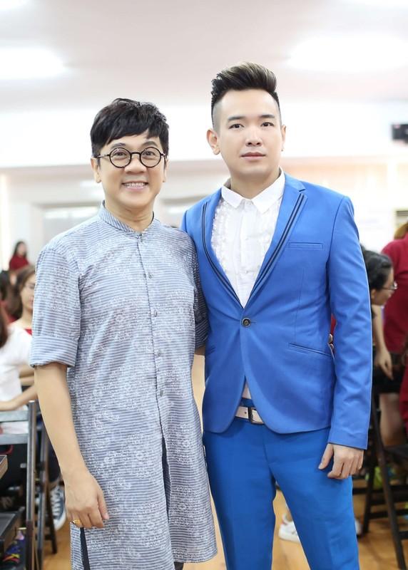 Ca si Viet Quang chia se ly do mat tich nhieu nam-Hinh-6