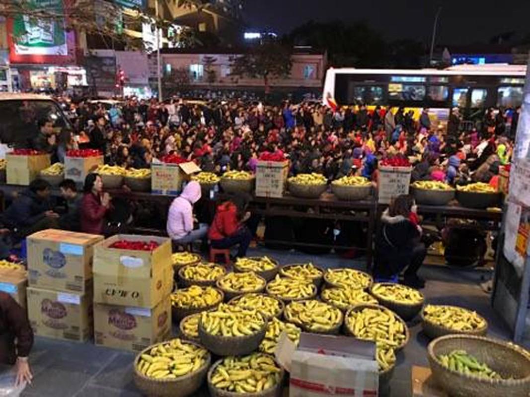 Anh: Bien nguoi chen chan tham du le cau an o chua Phuc Khanh-Hinh-9