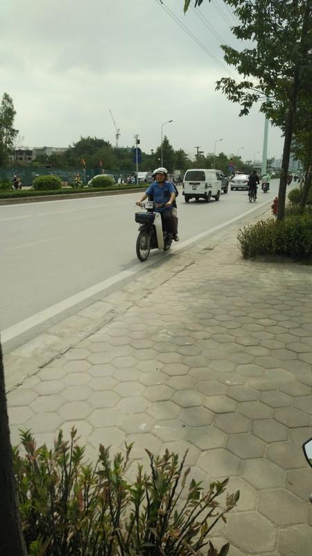 Anh: Dong xe may di nguoc chieu gay nao loan duong Ha Noi-Hinh-10