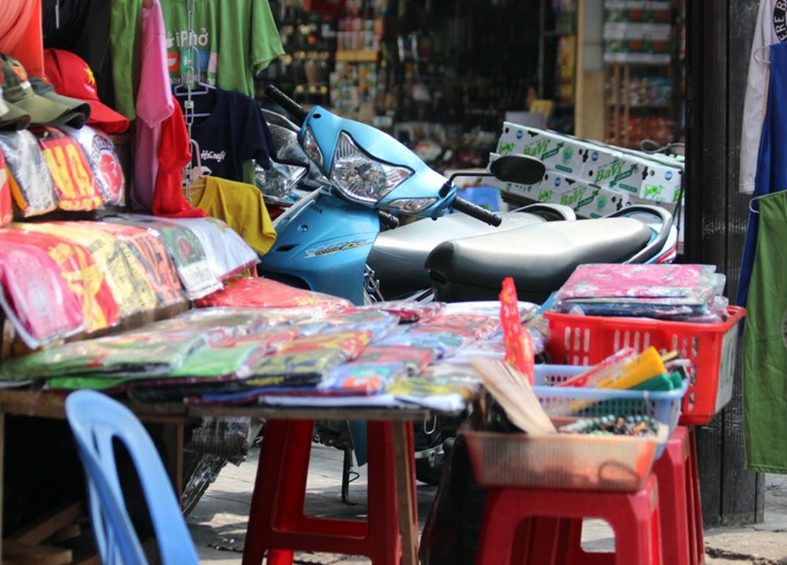 "Anh: Via he pho co Ha Noi bi cac ho kinh doanh ""nuot"" gon-Hinh-5"