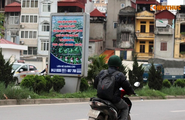 Anh: Ngo ngang hang loat bang sai chinh ta giua pho Ha Noi-Hinh-5