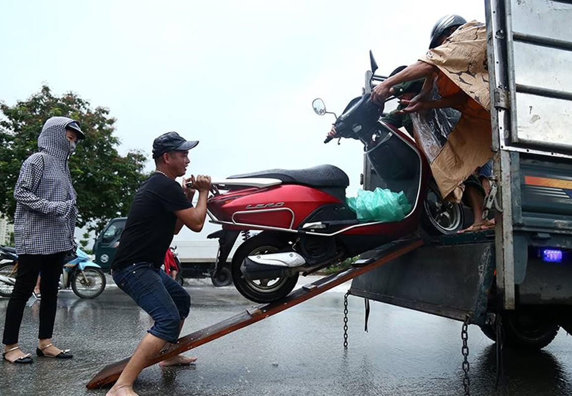 Dan hot bac nho cuu xe ngap nuoc tren Dai lo Thang Long-Hinh-7