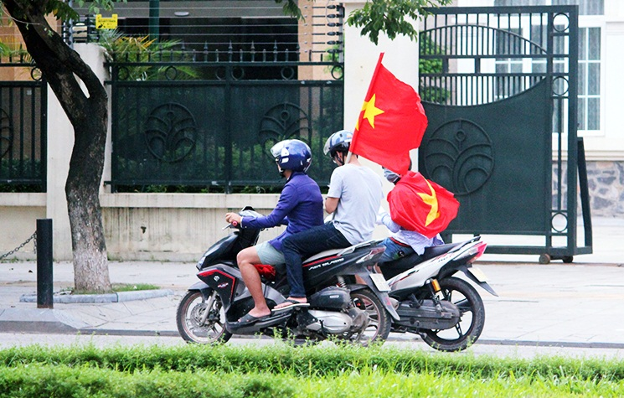 U23 Viet Nam va U23 UAE: Co do ruc duong pho, CDV khi the hung huc-Hinh-4