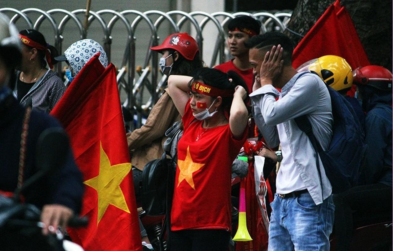 U23 Viet Nam va U23 UAE: Co do ruc duong pho, CDV khi the hung huc-Hinh-9