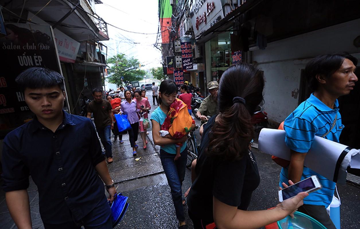 Hien truong tan hoang vu chay 19 ngoi nha tren duong De La Thanh-Hinh-12