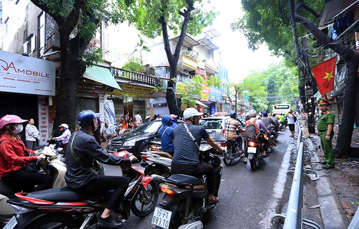 Hien truong tan hoang vu chay 19 ngoi nha tren duong De La Thanh-Hinh-14