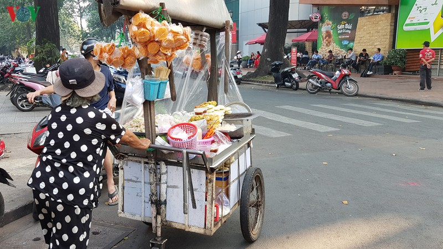 Hang rong o TP HCM tiem an nguy co mat an toan ve sinh thuc pham-Hinh-6
