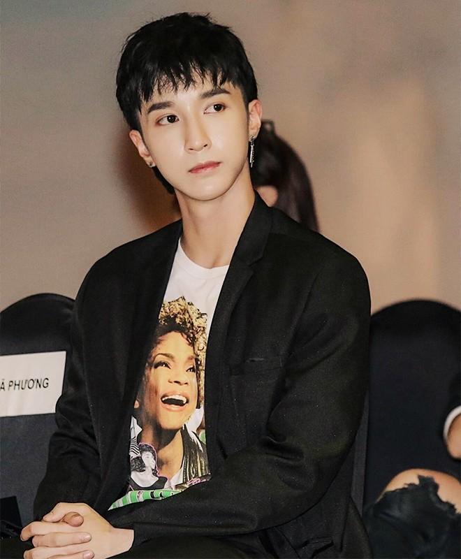 Duc Phuc chuong do mau me, Le Xuan Tien thich khoe body-Hinh-9