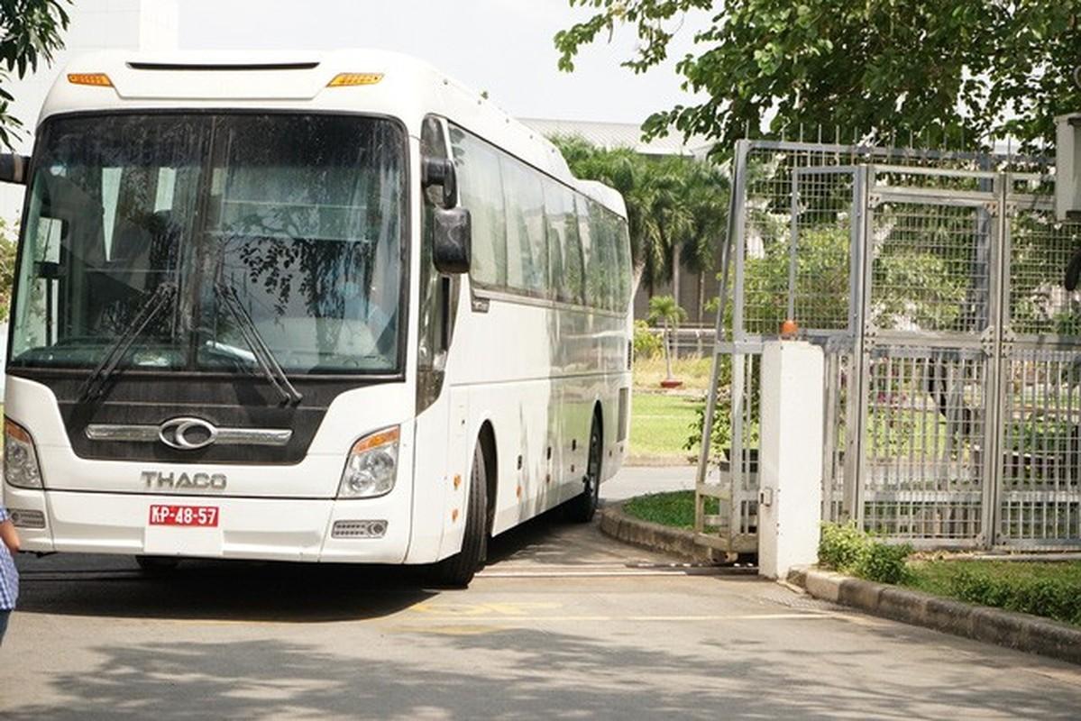 San bay Tan Son Nhat vang ve vi Covid-19-Hinh-12