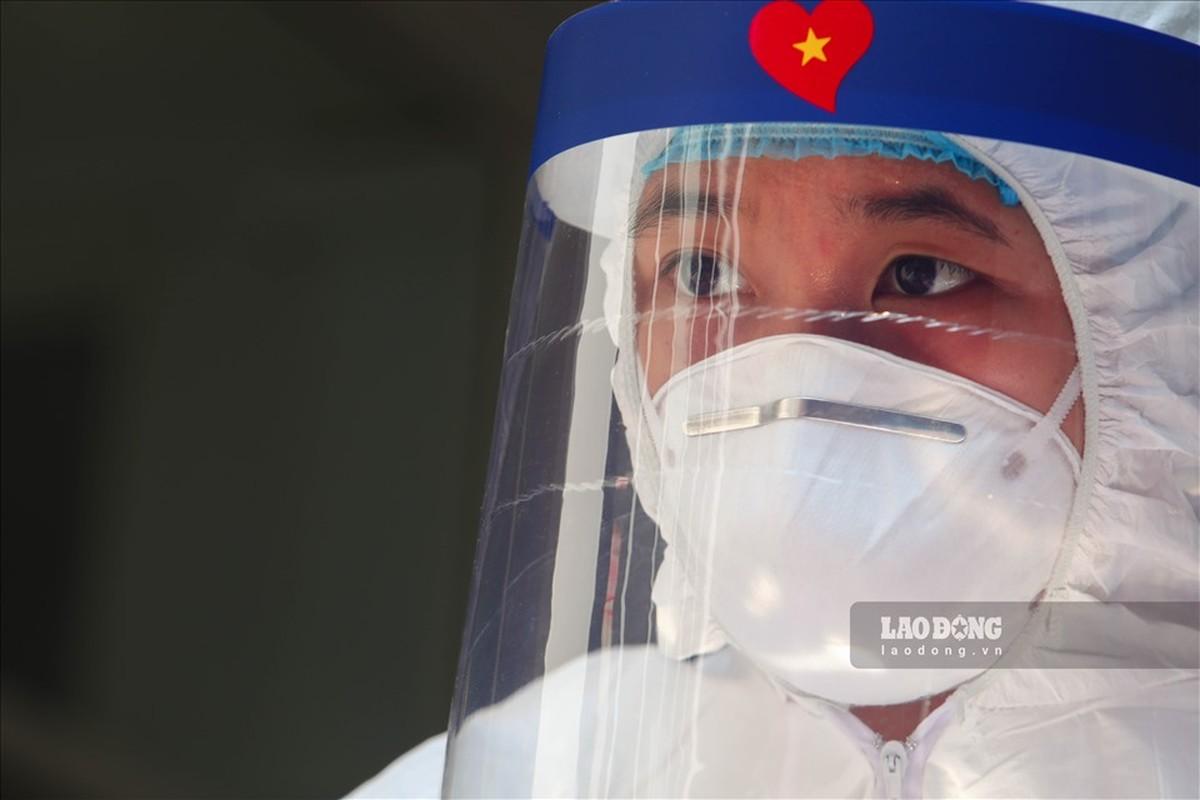 Bat dau test COVID-19 cho nhung nguoi di tu Da Nang ve Ha Noi-Hinh-10