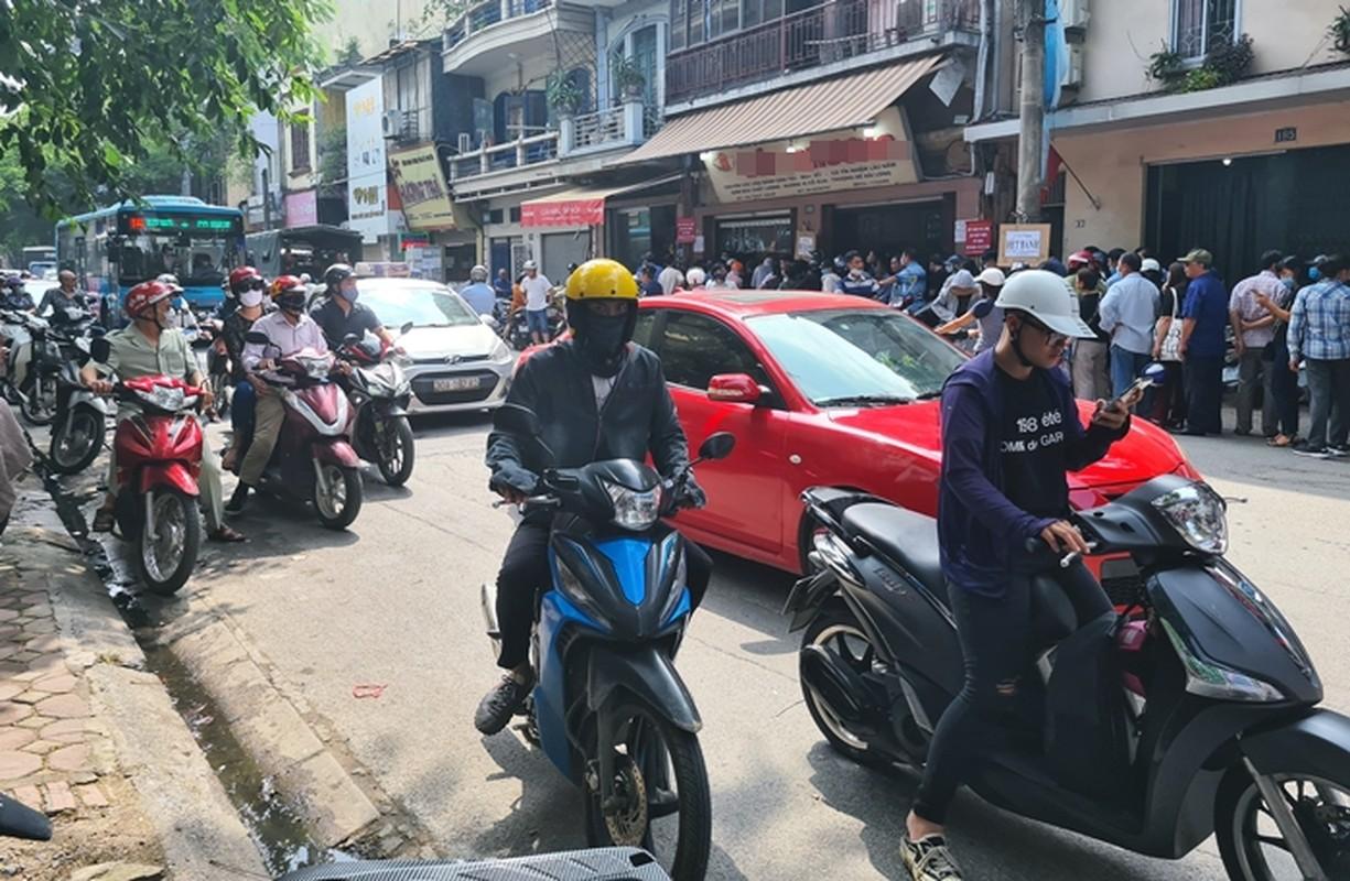 """""""Rong ran"""" xep hang cho tu sang den chieu mua banh trung thu truyen thong o HN-Hinh-13"""