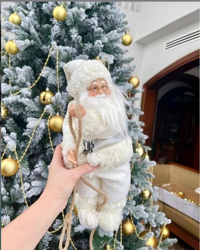 Khong khi Noel ben trong biet thu trang cua vo chong Bao Thy-Hinh-5