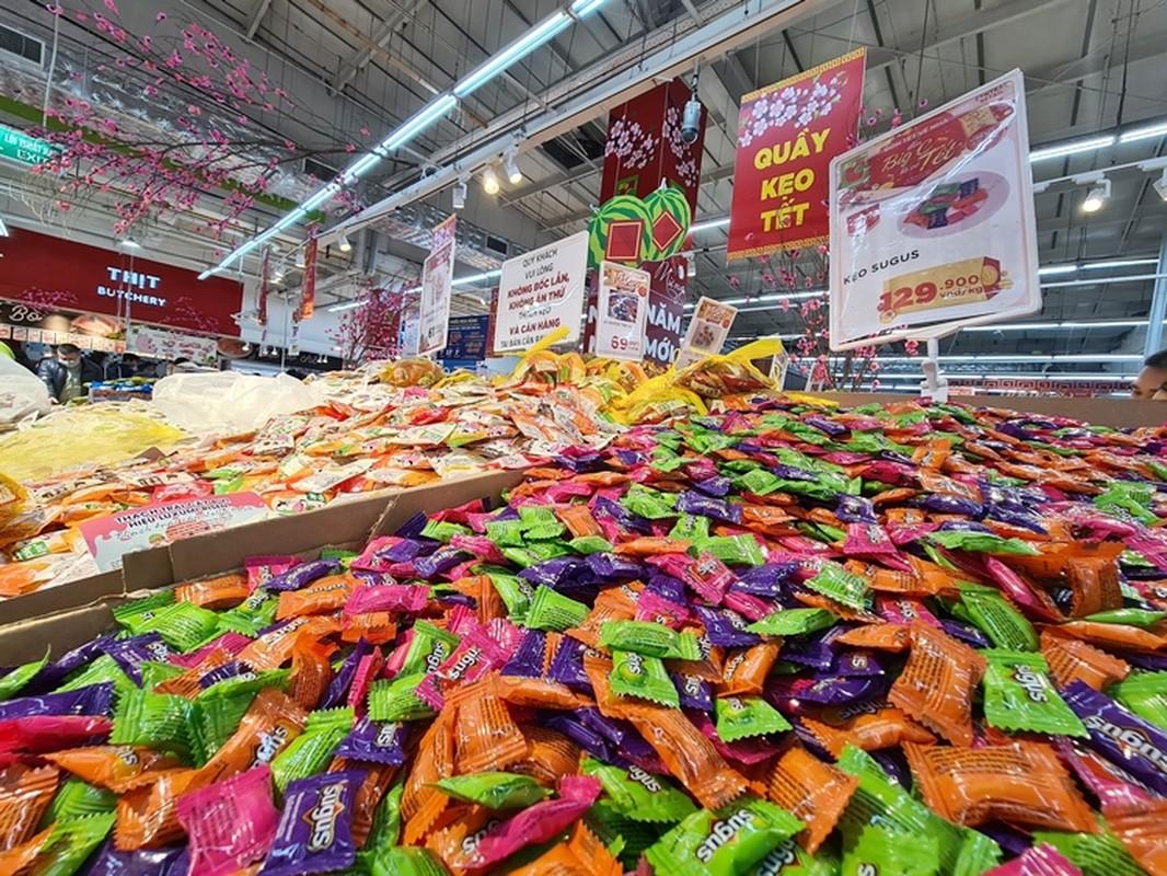 Hang hoa Tet doi dao, banh keo can len ngoi can Tet 2021-Hinh-2