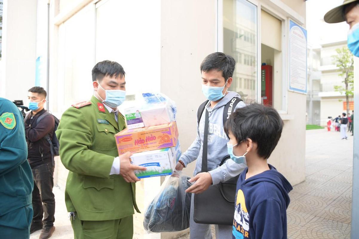 Niem vui doan tu cua cac gia dinh thay tro truong Xuan Phuong ngay mung 3 Tet-Hinh-5