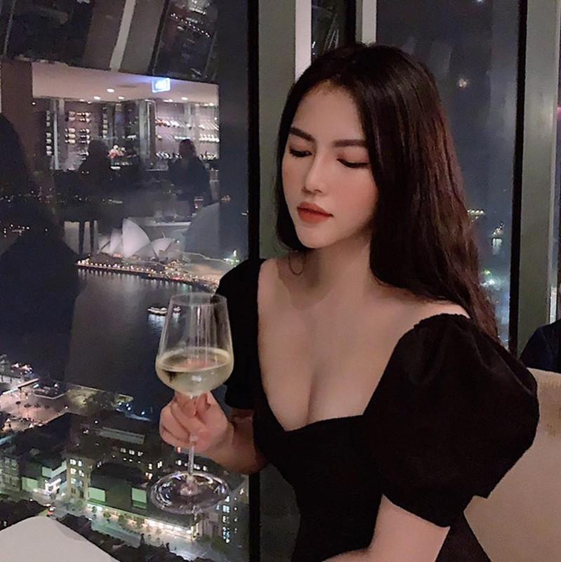 """Tieu thu Quang Binh gia nhap """"duong dua bikini"""", nong bong den ngo ngang-Hinh-7"""