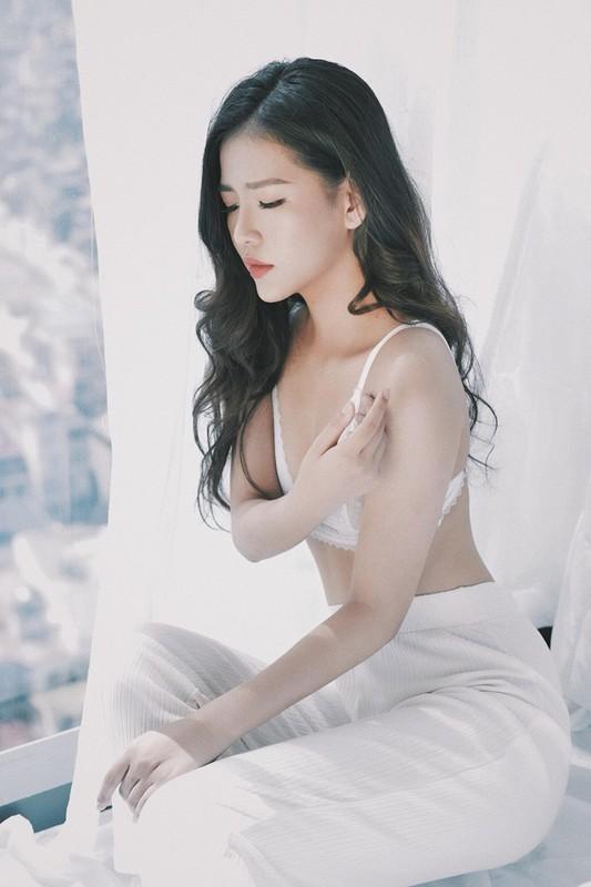 """Tieu thu Quang Binh gia nhap """"duong dua bikini"""", nong bong den ngo ngang-Hinh-9"""