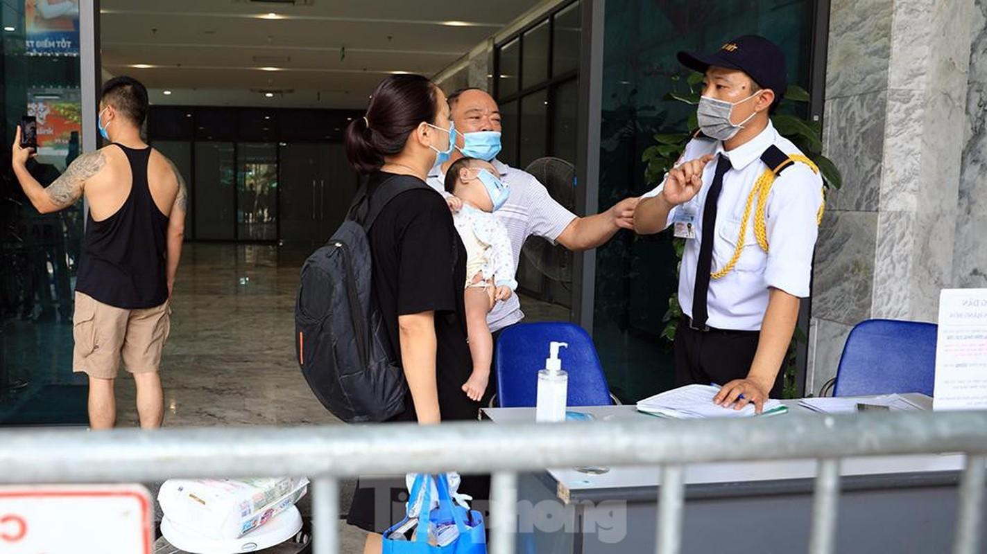 Them mot chung cu o Ha Noi bi phong toa do co ca duong tinh SARS-CoV-2-Hinh-10