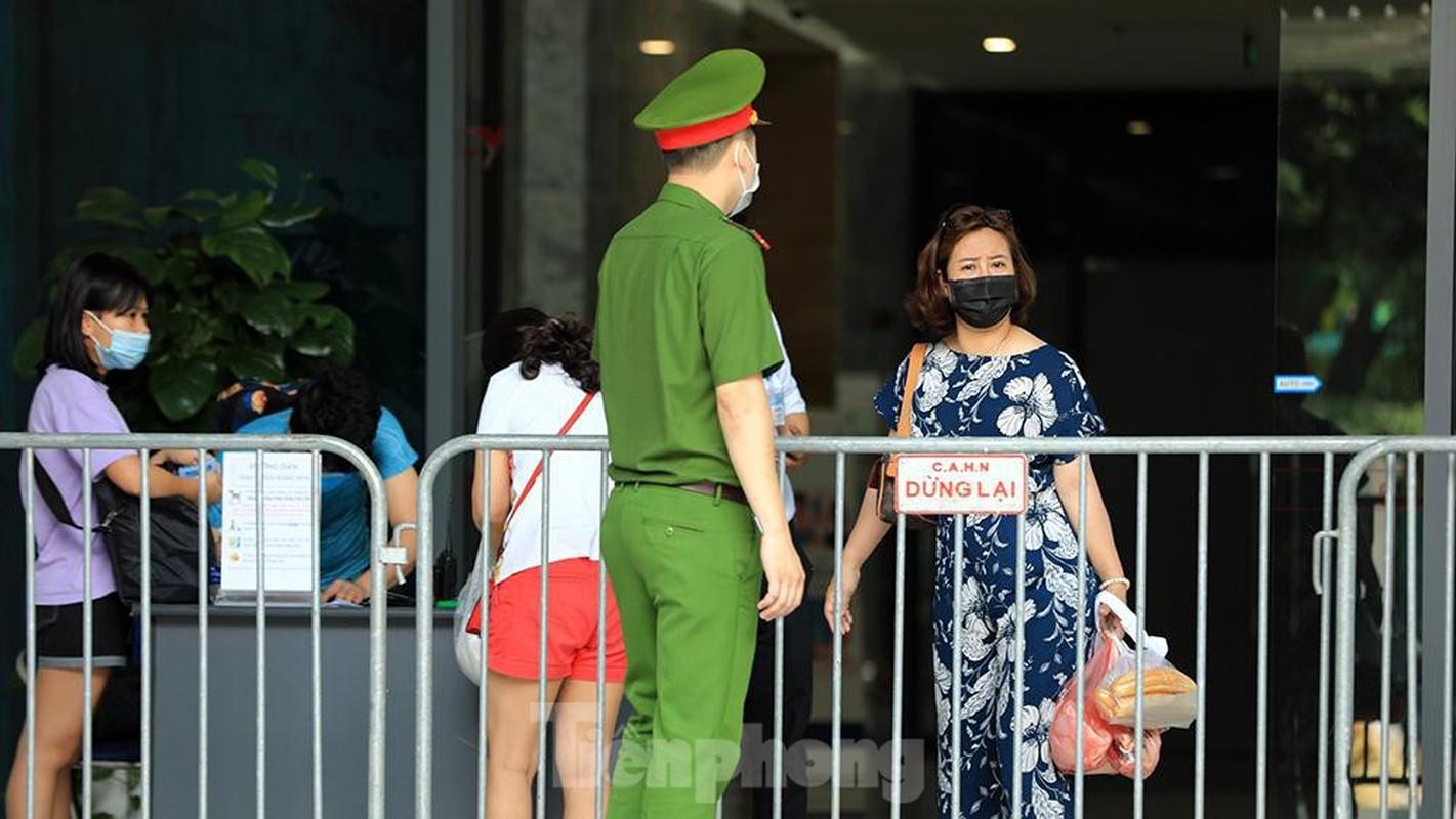 Them mot chung cu o Ha Noi bi phong toa do co ca duong tinh SARS-CoV-2-Hinh-4