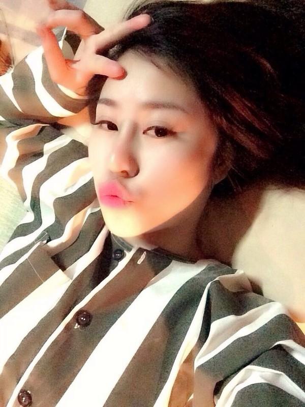 Su that buc anh hot girl phong giam gay bao mang-Hinh-2