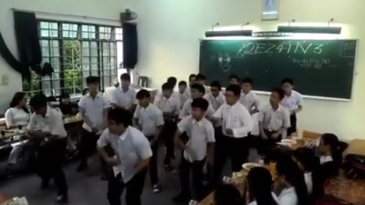Man chuc mung 20/10 nhu to tinh cua lop nha nguoi ta-Hinh-9