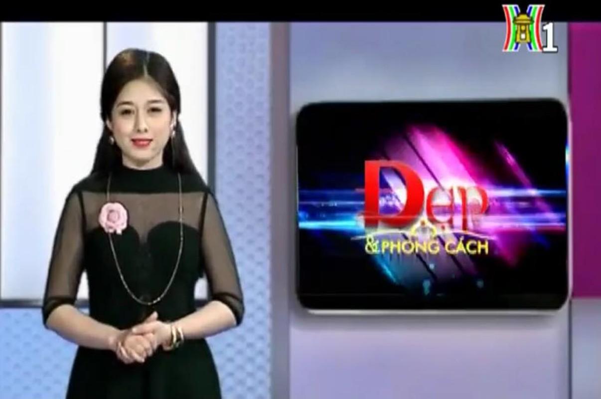 Ngam MC Dai Ha Noi duoc thieu gia tang 999 bong hong-Hinh-5