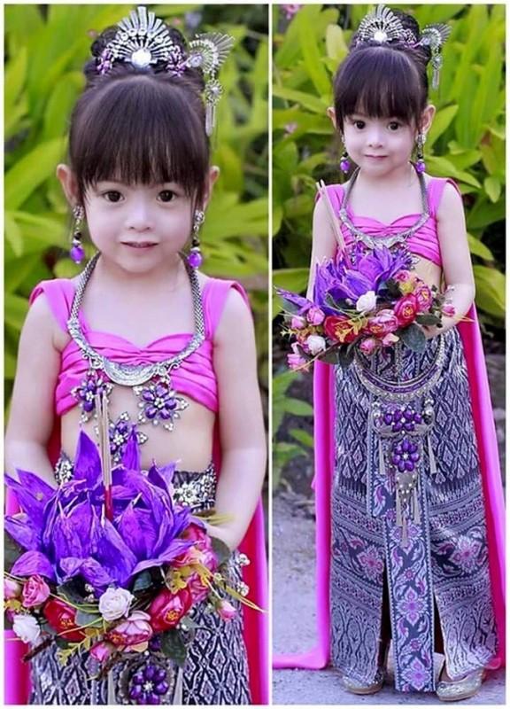 Be gai Thai Lan xinh dep lam dieu dung cong dong mang-Hinh-3