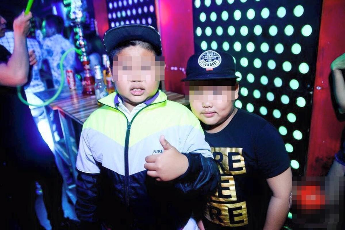 """Anh xon xao 1/6: Tre con len bar """"quay"""" tung bung-Hinh-4"""