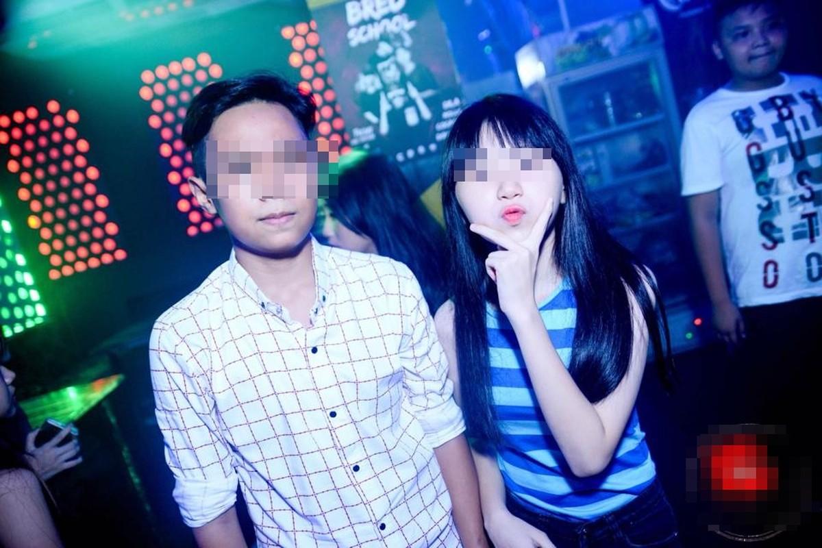 """Anh xon xao 1/6: Tre con len bar """"quay"""" tung bung-Hinh-9"""