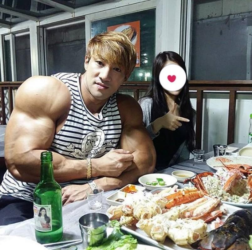 Hot boy Han Quoc khoe co bap gan guoc gay choang-Hinh-9