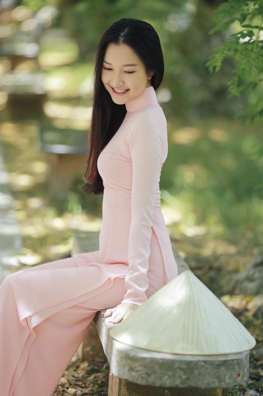 Nang tho xu Hue khoe nhan sac hoa nhuong nguyet then-Hinh-3